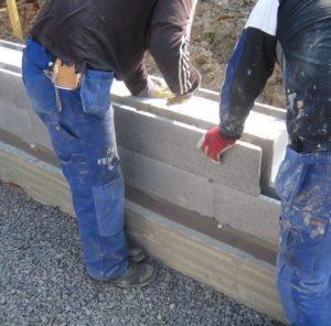 Kuva 26. Valuharkkorakentamisen toteutuksen aikataulu muodostuu ladonnasta, raudoituksesta, sähkö- ja vesiputkituksesta sekä betonivaluista.